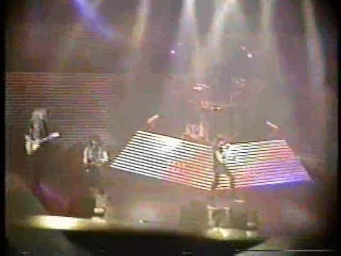 RATT - Slip Of The Lip (live - Osaka 1991)