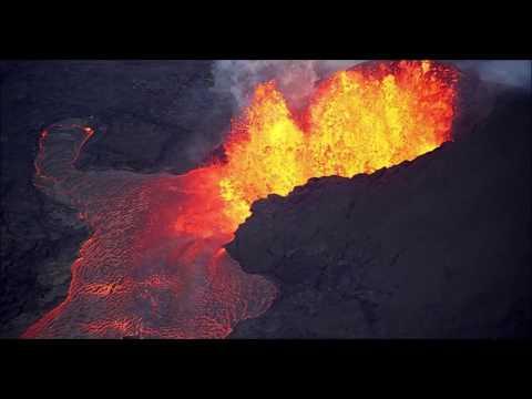 Гавайи: Мистические события начали происходить в связи с извержением вулкана Килауэа.