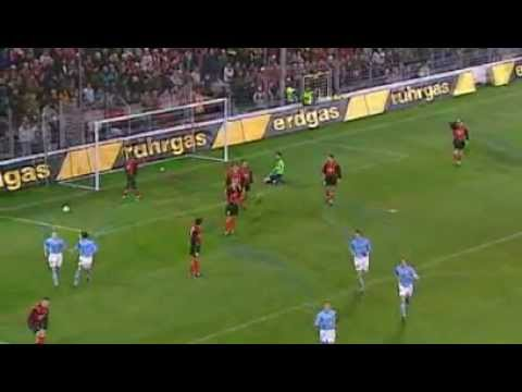 Legendary free kick from Pierre van Hooijdonk scores for Feyenoord