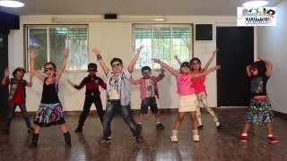 Bollywood Funny dance | Lungi Dance | Chennai Express