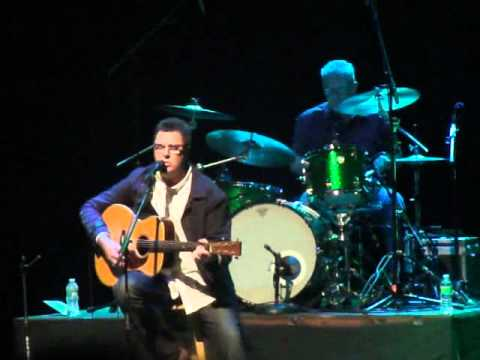 Ive Been Trying to Get Over You - Vince Gill Patchogue Theatre...