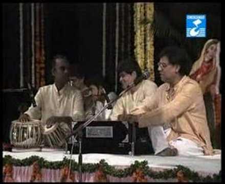 Jagjit Singh - Hare Krishna Live - Tum Meri Raakho Laaj Hari