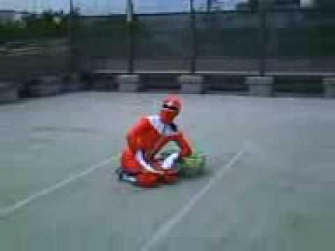 テニスレッスン 庭球戦隊ガジンドーZ 座ってバックハンド
