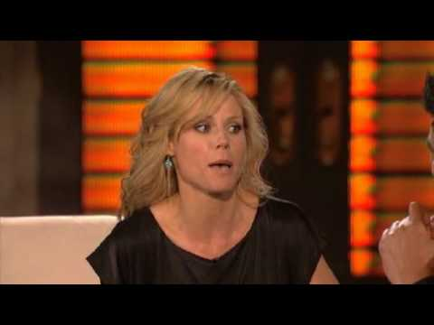 Lopez Tonight Julie Bowen (5172010) Video