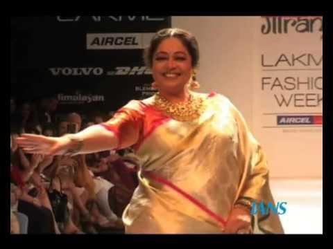 Veteran actress Kirron Kher dances on ramp in Indian saree & Jewellery Collection-Lakme Fashion Week