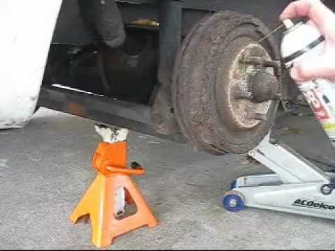 HOW TO REMOVE A STUCK BRAKE DRUM WITH A SLEDGE HAMMER ...