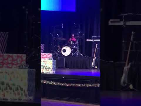 Winter Tinsel Talent Show!❄️. High Hopes by Panic At The Disco MP3