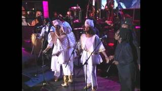 Bob Marley 39 S Family And Friends Perform 34 One Love People Get Ready 34