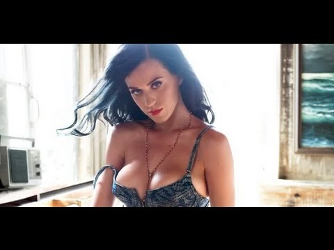Katy Perry exposed!! Come and enjoy boobs thumbnail