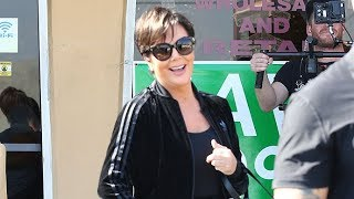 """Kris Jenner Puts On A Fake Smile When Asked About The Kardashian """"War"""" With Blac Chyna"""