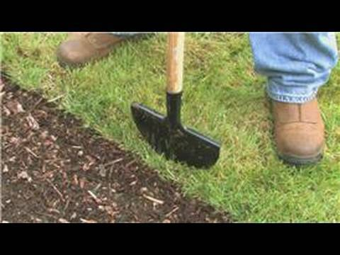 Lawn Care & Landscaping : How to Use a Manual Lawn Edger