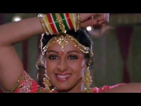 Download Mere Khwabon Mein Lata Mangeshkar mp3 song Belongs To Hindi Music