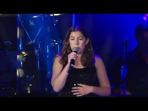Billy Joel - Emma Stanganelli Sings Boston State Of Mind (Fenway Park June 26, 2014)