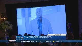 Vince Young's wife accepts mentoring award on his behalf