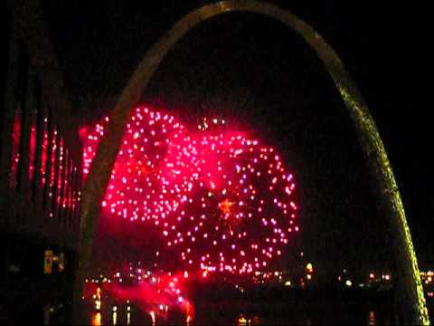 St. Louis July 4th Fireworks Riverfront Arch - July 2010