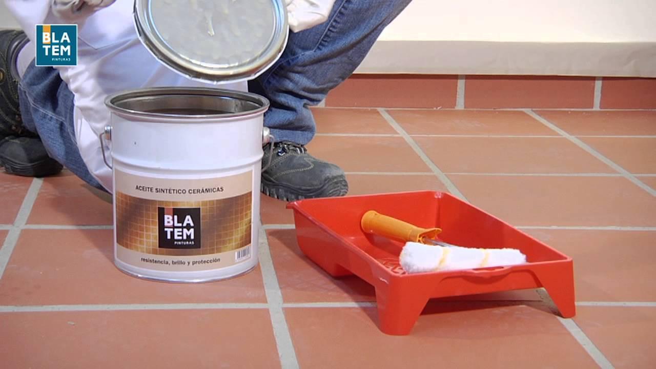 C mo pintar baldosas cer micas youtube for Pintura para baldosas cocina