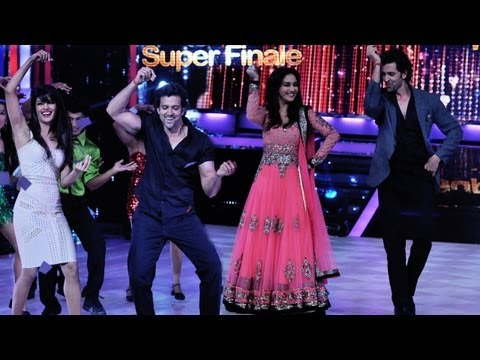 Hrithik & Priyanka Promote Krrish 3 On The Sets Of Jhalak Dikhhla...