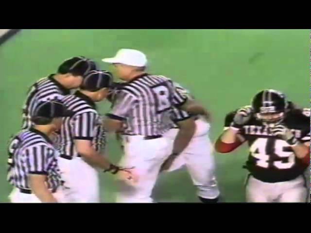 Oregon LB John Taumoepeau recovers a fumbled snap vs. Texas Tech 9-14-1991