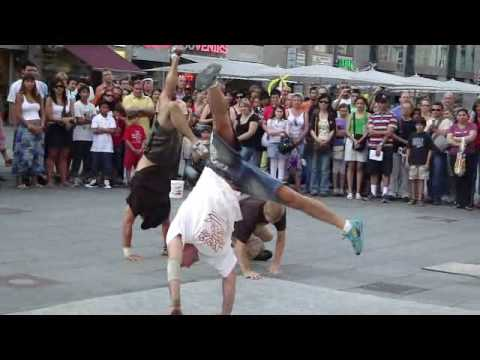 Awesome street freestyle dance performance (MUST SEE VIDEO!!!)