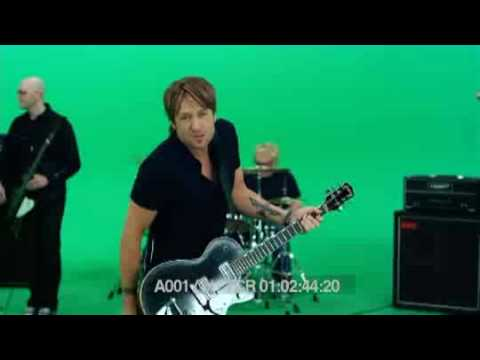 Kiss the Girl- Ashley Tisdale- Music Video - YouTube