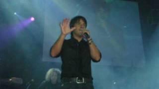 Watch Luis Fonsi Tienes Razon video