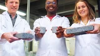 Phát minh mới: chế tạo gạch từ... nước tiểu người và vi khuẩn