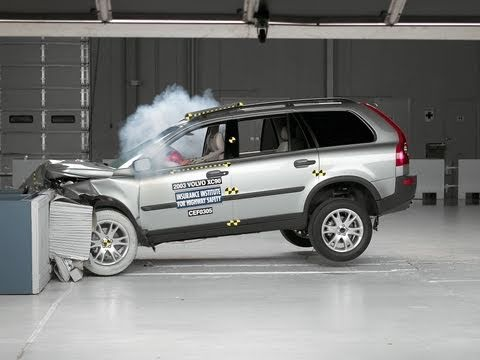 2003 Volvo XC90 moderate overlap IIHS crash test - YouTube