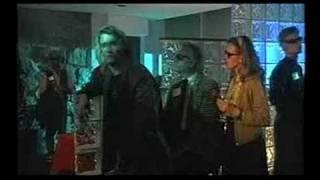 lorri bagley sings to james tupper in