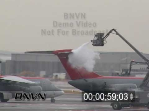 1/10/2005 Video of airplanes being de-iced