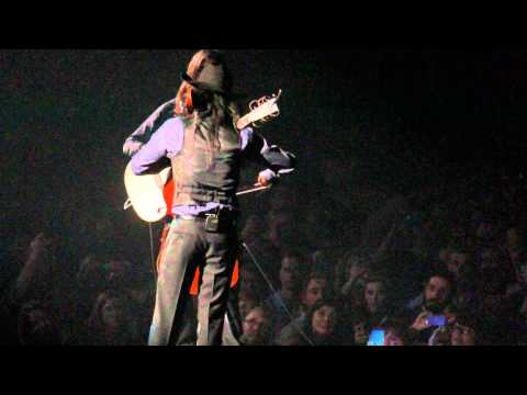 """Avett Brothers """"Pretty Girl From Chile"""" Warner Cable Arena, Charlotte, 12.31.13"""