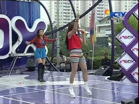 FITRI CARLINA Live At Inbox (14-12-2012) Courtesy SCTV