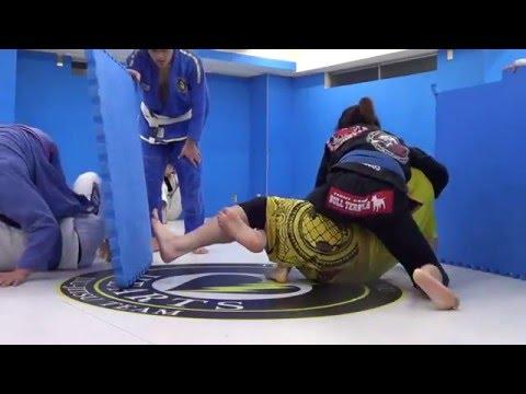 Huge Man vs Little Japanese Asian Woman Mixed Jiu-jitsu Wrestling Grappling Fun Flow