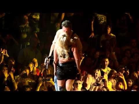 Miranda Lambert & Blake Shelton Honey Bee