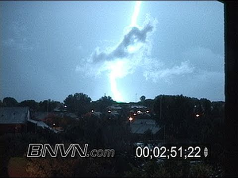 8/4/2005 Dramatic Lightning Video. Extended Mix