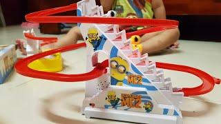 Trò Chơi Vui Xe Ô Tô Đi Cầu Trượt | Kids Toy Media Đồ Chơi Trẻ Em