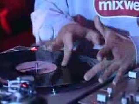 DJ Q-Bert Faderless Scratching
