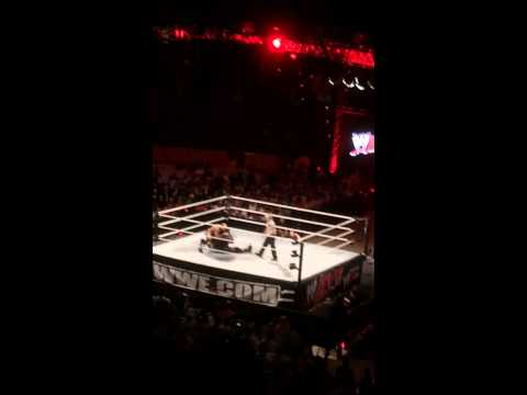 Wwe intense match in Riyadh,Saudi Arabia!Mark Henry vs Cesa