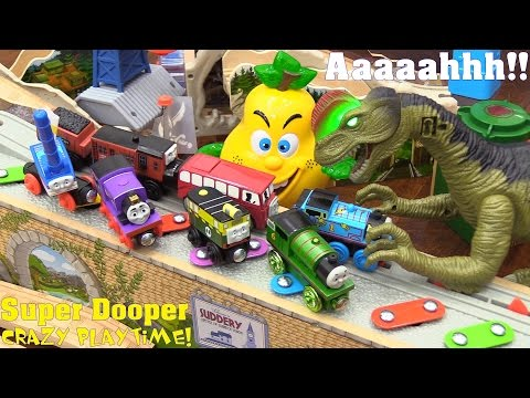 Dinosaur Toy! A Dilophosaurus Eating Thomas the Tank Engine & Friends! Thomas Wooden Railway Trains