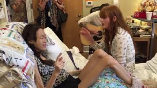 "Download Lagu Karinya ""Yaya"" duet with Florence of #Florence and the Machine Singing Shake It Out Gratis STAFABAND"