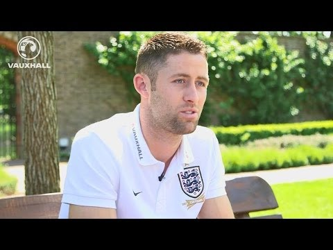 Cahill reveals what's inside his travel bag | FATV Exclusive