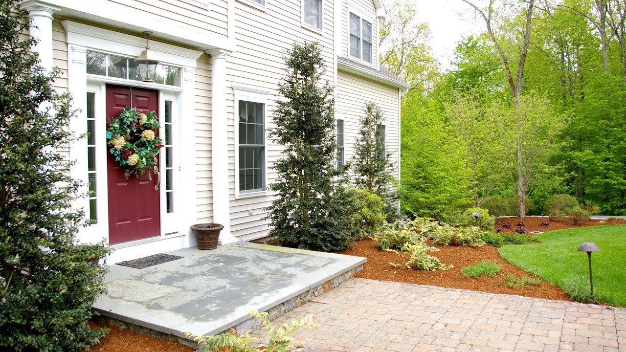 Front of house landscaping ideas colonial pdf for Garden design ideas for front of house