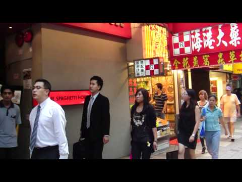 Hong Kong shop beating tourist