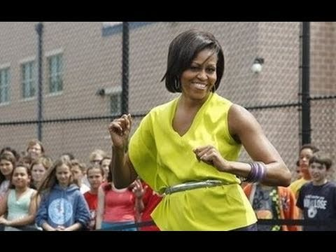 Michelle Obama Does The Dougie
