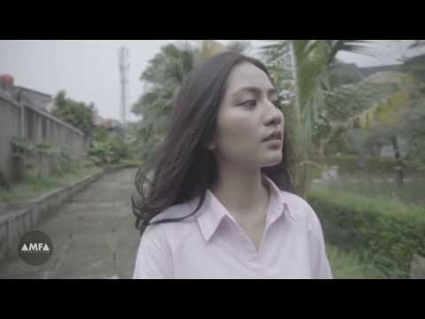 download lagu Tulus - Ruang Sendiri ( Video Clip ) gratis