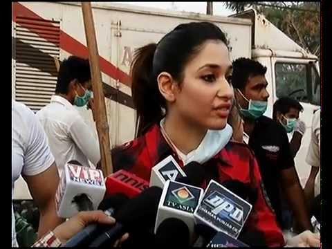 Bollywood stars   Tamannaah Bhatia   Swach Bharat Abhiyan Challenge   bollywood