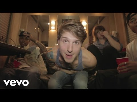 Hot Chelle Rae - I Like It Like That ft. New Boyz