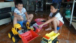 Trò Chơi Bé Rửa Xe Ô Tô Máy Xúc Máy Ủi - Đồ Chơi Trẻ Em - Bé Minh MN Toys