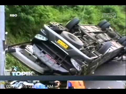 [ANTV] TOPIK, Kecelakaan Bus Pariwisata Terguling Di Jalan Tol