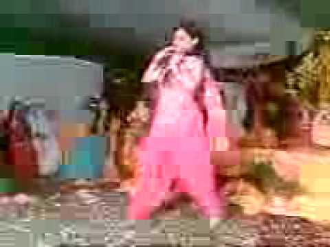 Dance Of A Young Girl During a Wedding Function.3gp