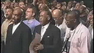 Vídeo 30 de GMWA Mass Choir